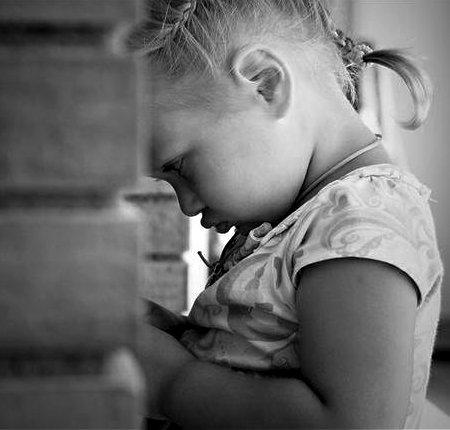 девочка обиделась, отвернулась к стенке, детские обиды, их значение
