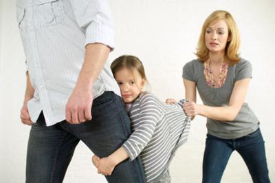 развод, крушение семьи, ребенок не хочет, чтобы отец уходил