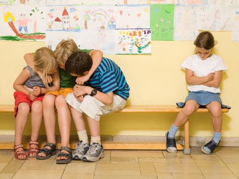 почему и кто становятся изгоями в классе? Трудно быть изгоем