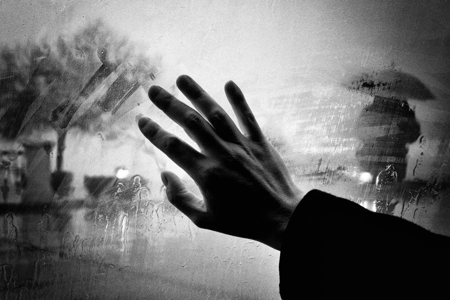 рука на стекле, причины и факторы риска при самоубийстве детей
