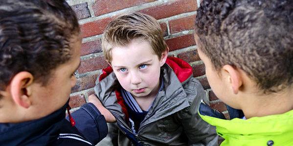 Буллинг в школе – что это такое, как остановить детскую травлю