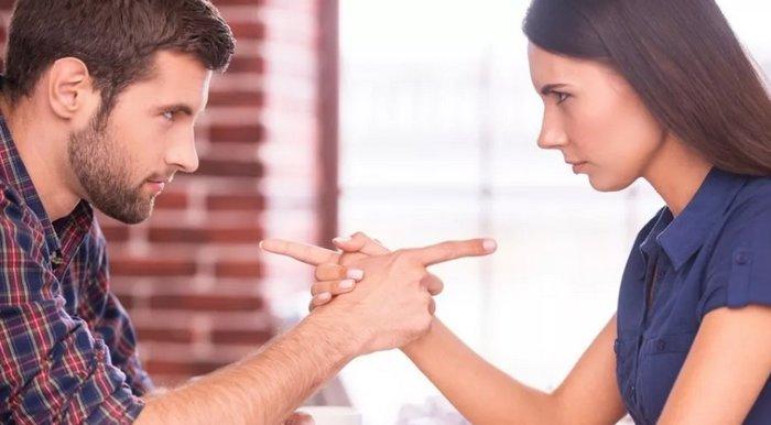 соперничество с мужчиной женщины