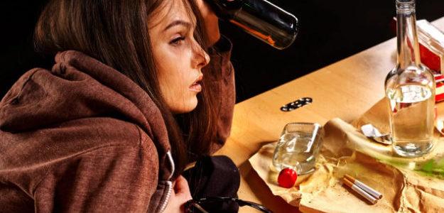 Женский алкоголизм — причины, последствия для здоровья, лечение